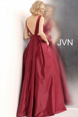 JVN65483-red-back-660x990_grande